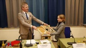 gemeente-thomas-meereboer-11-geinstalleerd-als-eerste-kinderburgemeester-bergen